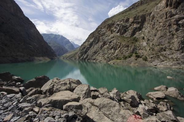 Photo de Tajikistan (Morning at Gushor Lake, the third Marguzor lake)