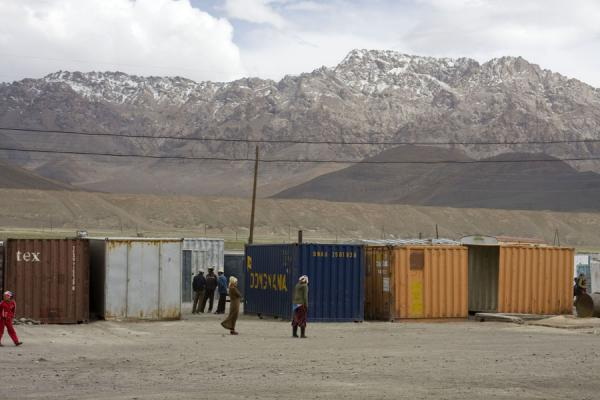 Foto di Containers housing the stalls of Murgab marketMurgab - Tagikistan