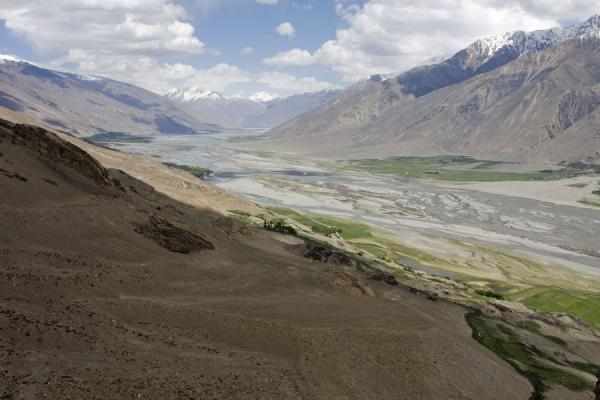 Foto di Wakhan valley seen from Yamchun fortressYamchun - Tagikistan