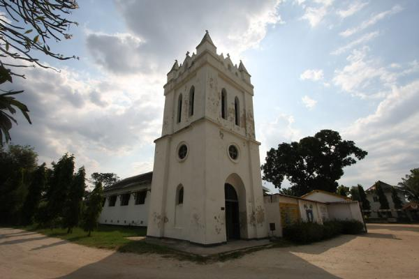 Foto van Tanzania (Bell tower of the oldest church of East Africa at the Catholic mission)
