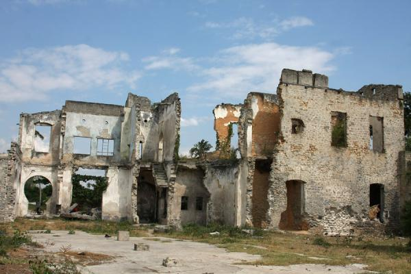 Ruins of German colonial buildings - 坦尚尼亚