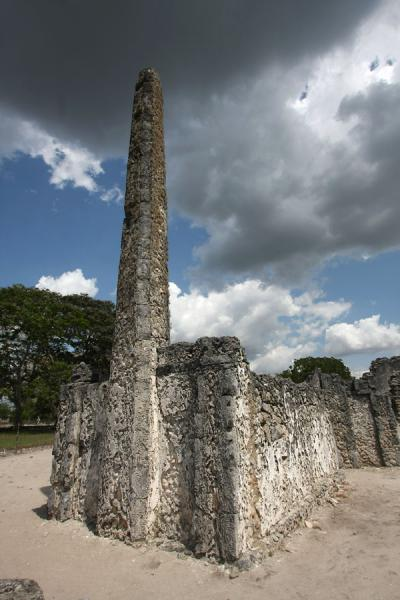 One of the graves at Kaole ruins | Kaole Ruins | Tanzania