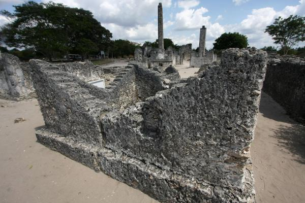 Wife and husband drowned in the ocean on the same day, and were buried in this shared grave | Kaole Ruins | Tanzania