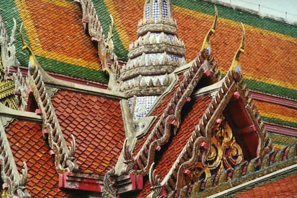 Close-up of one of the temples in Bangkok | Ciclismo a Bangkok | Thailandia