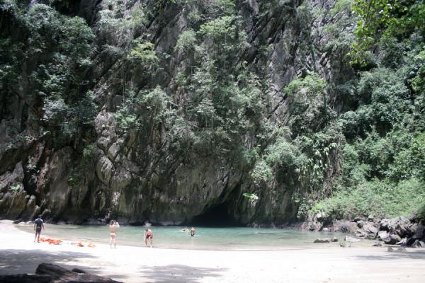 Picture of Emerald Cave (Thailand): Morakot or Emerald Cave: view on the tiny beach