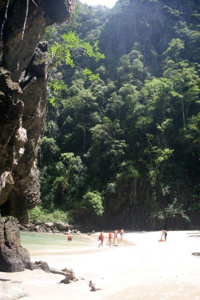 Picture of Emerald Cave (Thailand): Emerald Cave: cliffs, beach and forest come together