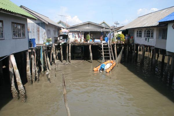 Picture of Ko Panyi (Thailand): Ko Panyi: houses and boat inside the village