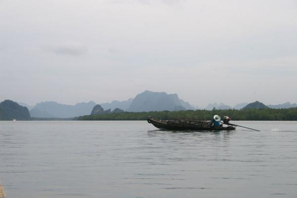 Picture of Ko Panyi (Thailand): Fisherman leaving in the early morning in typical landscape around Ko Panyi