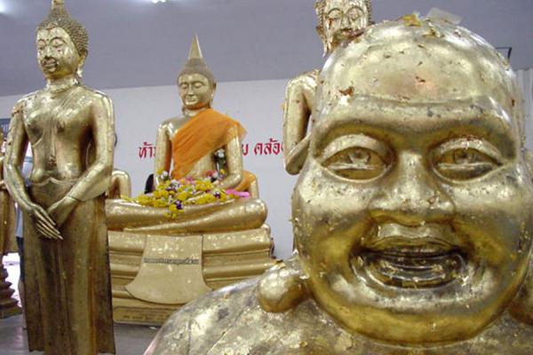 Picture of Luang Phor Sothorn (Thailand): Buddhas at Sothorn Temple