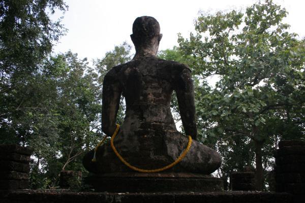 Picture of Si Satchanalai (Thailand): Wat Khao Phanom Phloeng: Sitting Buddha