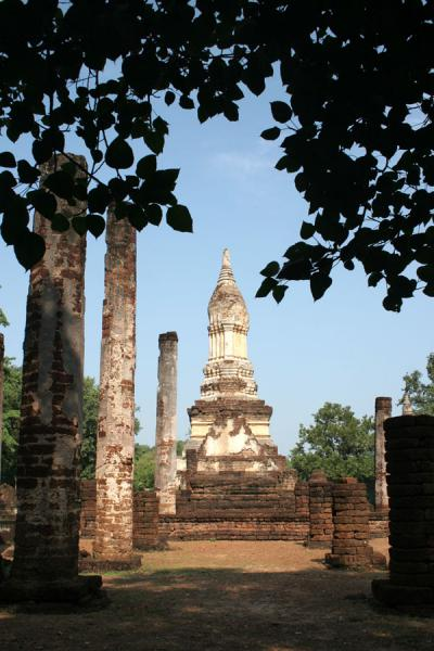 Picture of Si Satchanalai (Thailand): Wat Chedi Ched Thaeo: main chedi