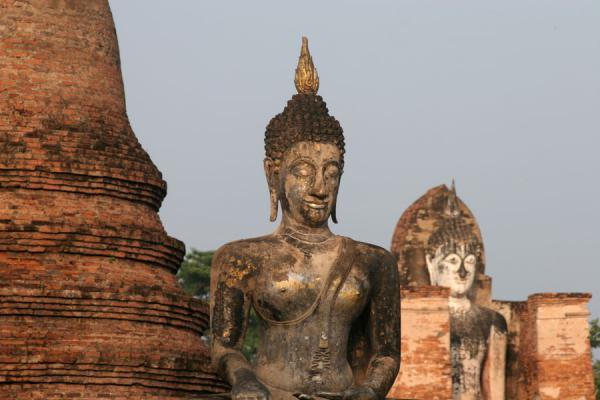 Picture of Sukhothai (Thailand): Buddhas at Wat Mahathat just after sunrise