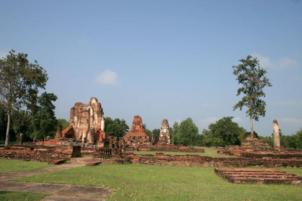 Picture of Sukhothai (Thailand): Wat Phra Phai Luang: old ruins of this ancient Sukhothai temple seen from a distance