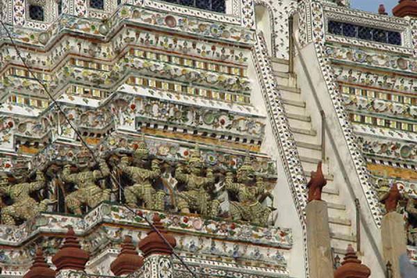 The stairs to the third level | Wat Arun | Thailand
