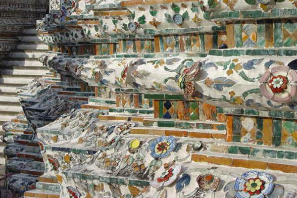 Closeup of the first level. Note the broken ceramic | Wat Arun | Thailand