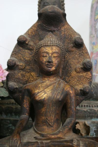 Picture of Wat Khao Sukim (Thailand): Wat Khao Sukim: one of the many statues of Buddha