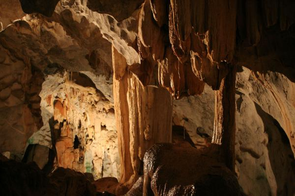 Higher up in the caves: stalagtites and stalagmites | Wat Tham Suwannakuha | Thailand