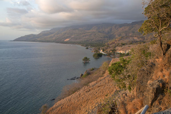 Photo de Timor Oriental (The east coast of Atauro)