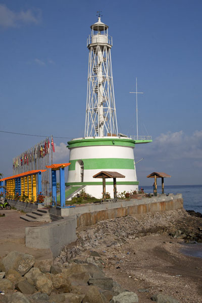 Photo de The lighthouse on the waterfront of DiliDili - Timor Oriental