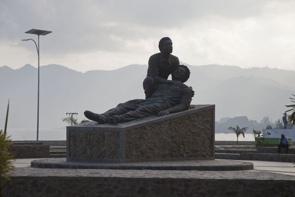 Photo de Monument to the 13 Regions of Independent East TimorDili - Timor Oriental