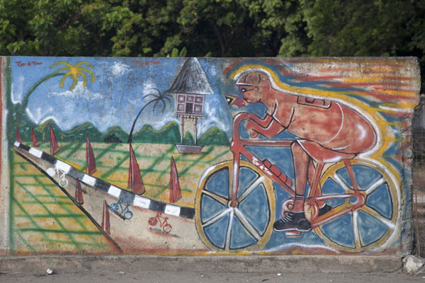 Photo de One of the many wall paintings in DiliDili - Timor Oriental