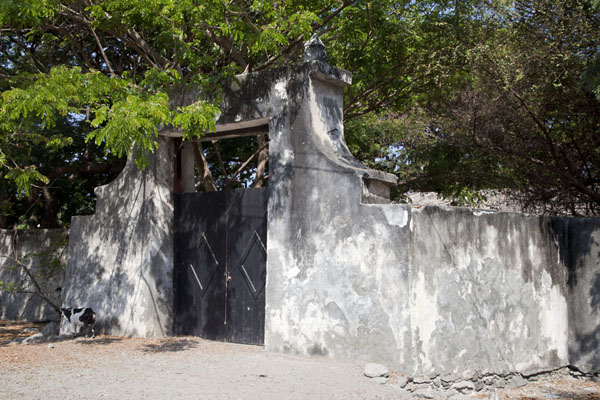 Picture of Maubara fortress (Timor-Leste): The back of the fortress with entrance gate