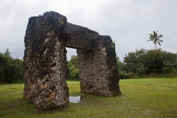 Foto de Side-view of the TrilithonEspiráculos de Mapu a Vaea - Tonga