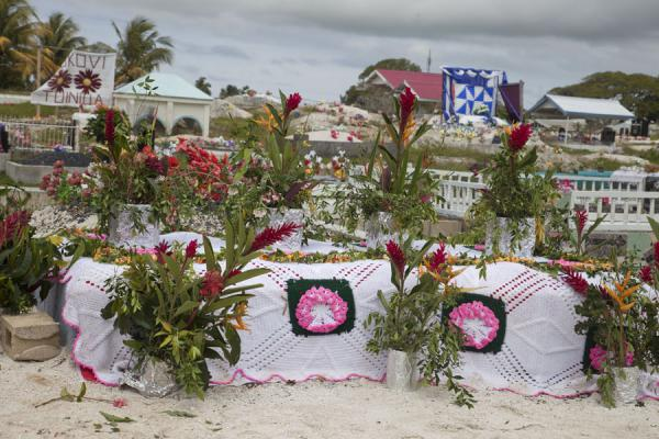 Picture of Tongan cemeteries (Tonga): One of the larger cemeteries of Nuku'alofa