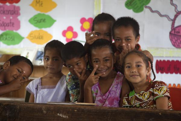 Foto van Kids in school on Ofu islandMensen in Tonga - Tonga