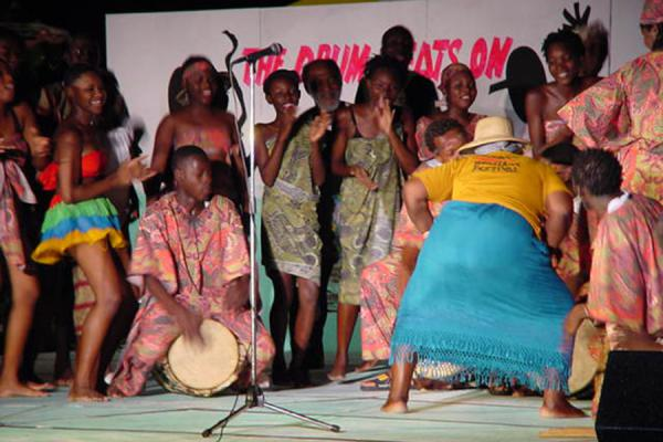 Show of the buttocks (the audience went wild!) | Festival de la herencia de Tobago | Trinidad & Tobago