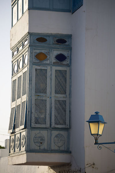 Balcony with lantern in Sidi Bou Said - 突尼西亚