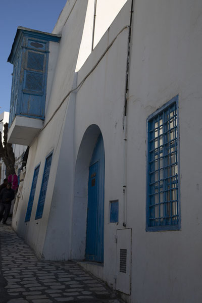 Street with houses and balcony in Sidi Bou Said | Sidi Bou Said | Tunesië