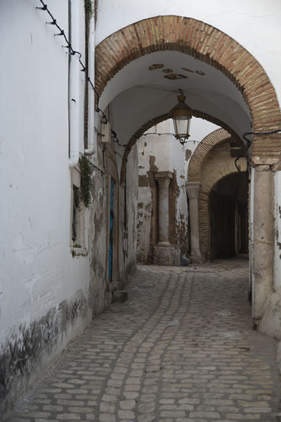 Picture of Tunis medina (Tunisia): Street with arches in the medina of Tunis