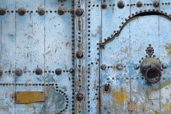Picture of Tunisian doors (Tunisia): Door decorated with black nails in Tunis