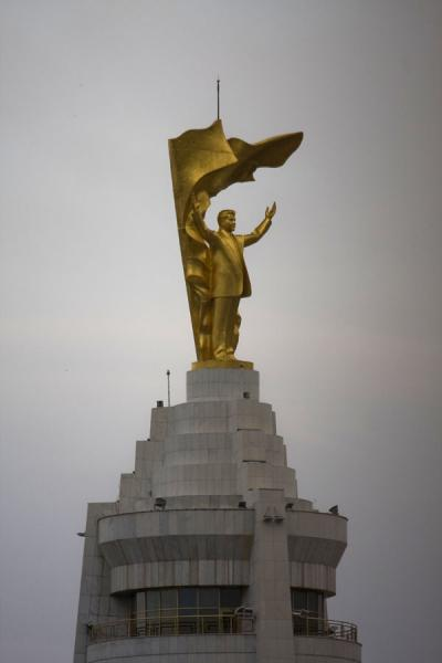 Close-up of the statue of Niyazov, aka Turkmenbashy, on top of the Arch of Neutrality | Arch of Neutrality | Turkmenistan