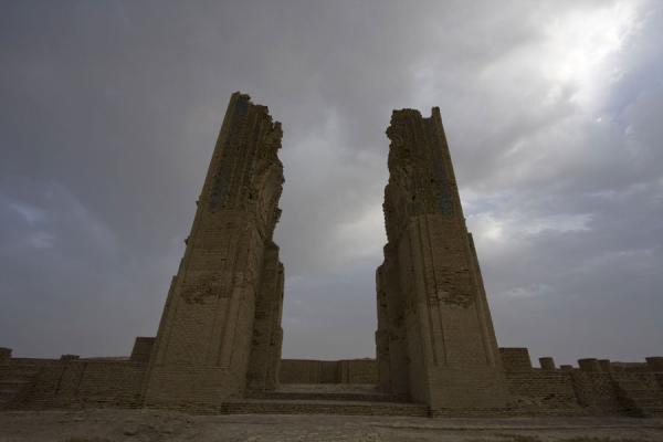 Picture of Dekhistan (Turkmenistan): Ruined arch of the caravanserai of Dekhistan