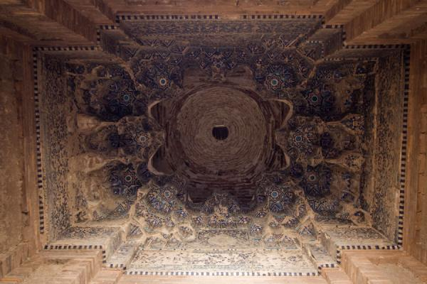 View of the ceiling of a part of the Mausoleum of Turabeg Khanum | Kounia-Ourguentch | Turkménistan