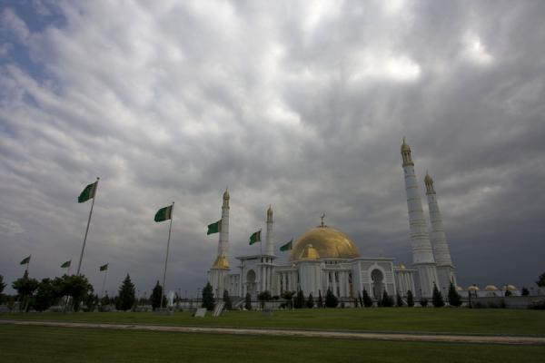 Picture of The Turkmenbashy Ruhy mosque with a grey skyGypjak - Turkmenistan