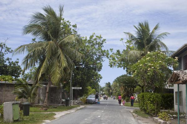 Photo de One of the main streets of VaiakuVaiaku - Tuvalu