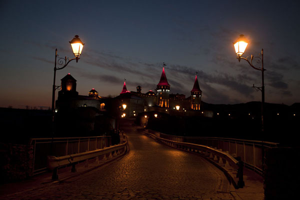 View of the fortress from the Turkish bridge in the evening - 乌克兰