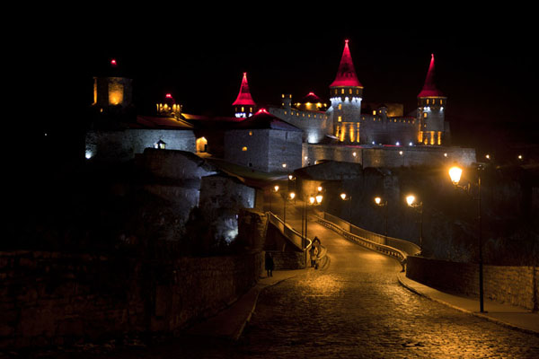 Foto di Evening view of the fortress of Kamyanets-PodilskyKamyanets-Podilsky - Ucraina