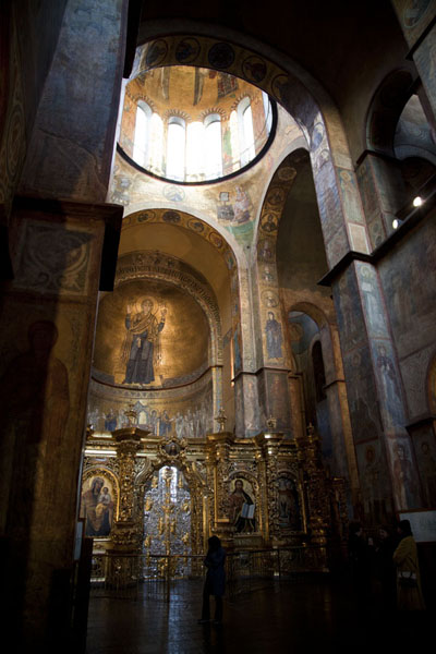 Photo de The main nave of Saint Sophia cathedral has fantastic frescoes - Ukraine - Europe