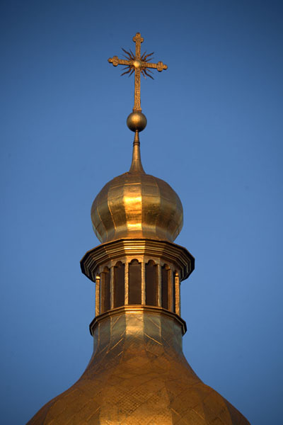 Picture of Saint Sophia Cathedral (Ukraine): Sun shining on a golden cupola on top of the cathedral