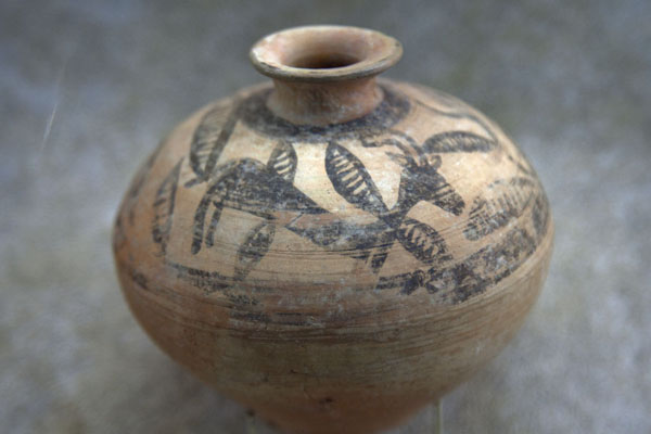 Foto van Pottery with animal painted on topAl Ain - Verenigde Arabische Emiraten