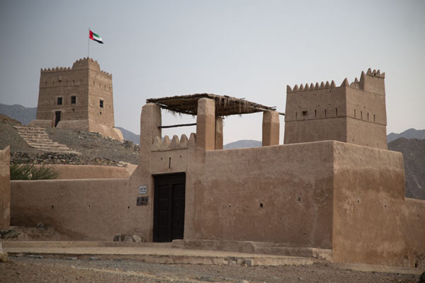 Al-Hayl fort from within the compound - 阿拉伯联合大公国