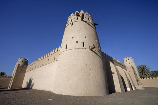 Picture of Al Jahili fort (United Arab Emirates): Towers at each corner of the residential section of the fort