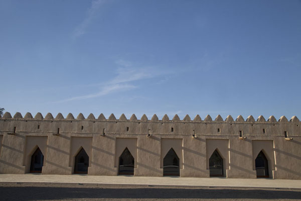 Picture of Al Jahili fort (United Arab Emirates): Afternoon view of a wing of Al Jahili fort