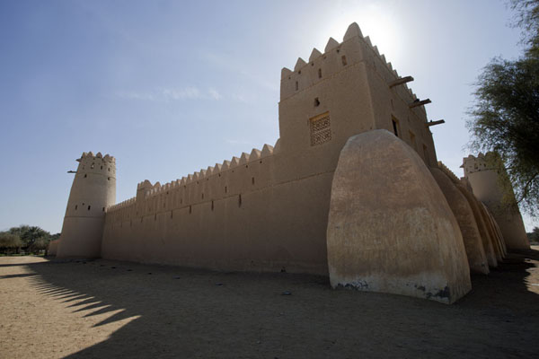 Photo de Corner view of Al Jahili fort in the afternoonAl Ain - Emirats Arabes Unis
