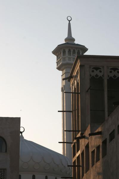 Picture of Dubai mosques (United Arab Emirates): Windtower and minaret in Bur Dubai