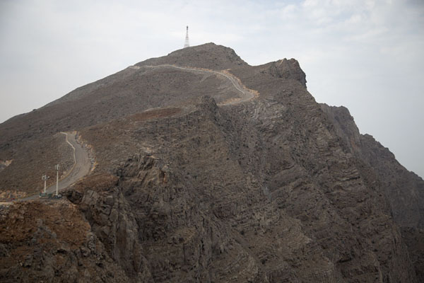 Mountain rising on the west side of Jebel Jais - 阿拉伯联合大公国
